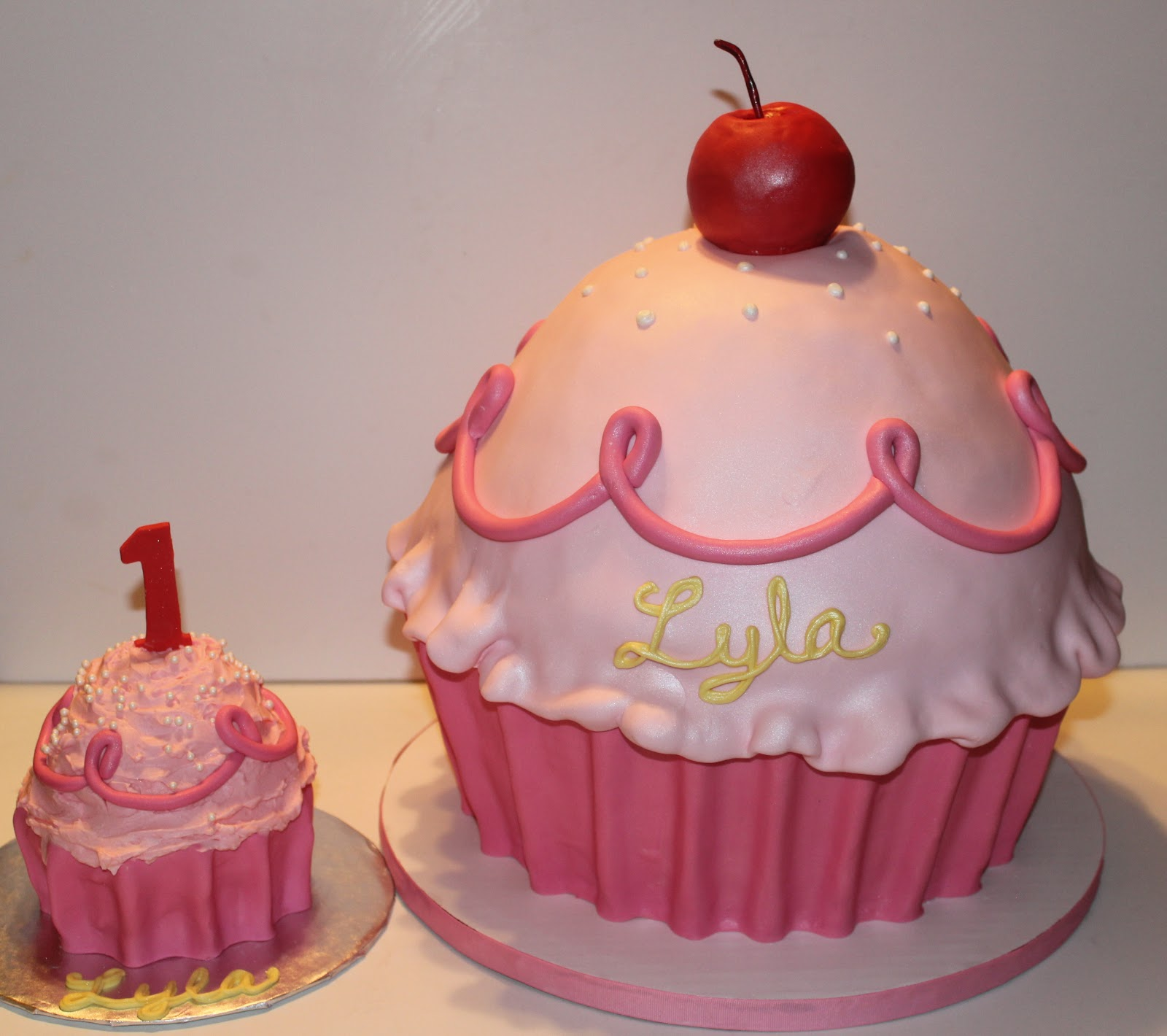 Pinkalicious Cake Images : Sweet Stirrings: Pinkalicious Birthday!