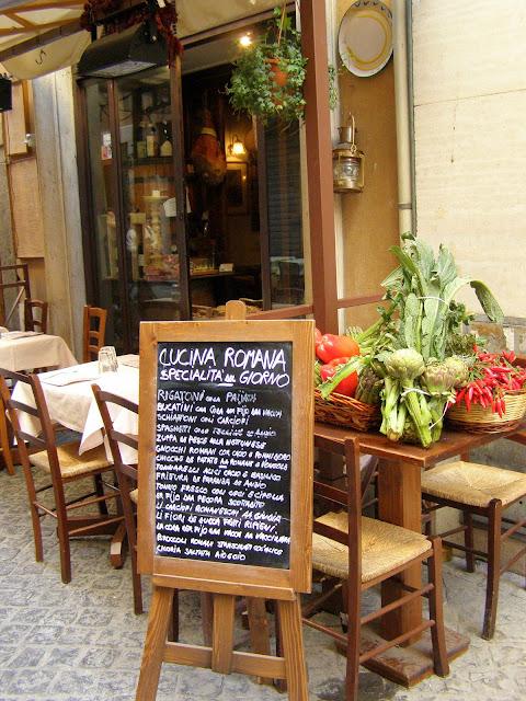 aconchegante restaurante em Roma