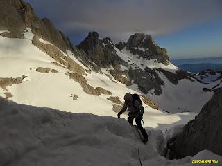 Fernando Calvo guia de alta montaña en picos de europa, rab equipment, kayland, lowealpine