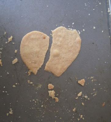 Cookie cassé en forme de coeur