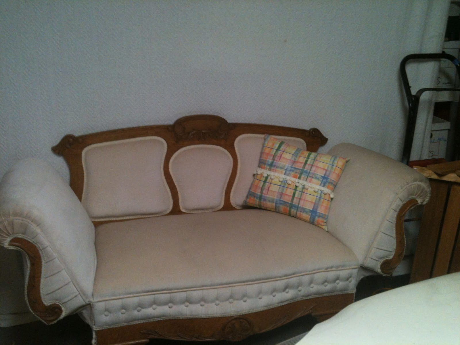 Jody 39 s treasures for Fainting couch