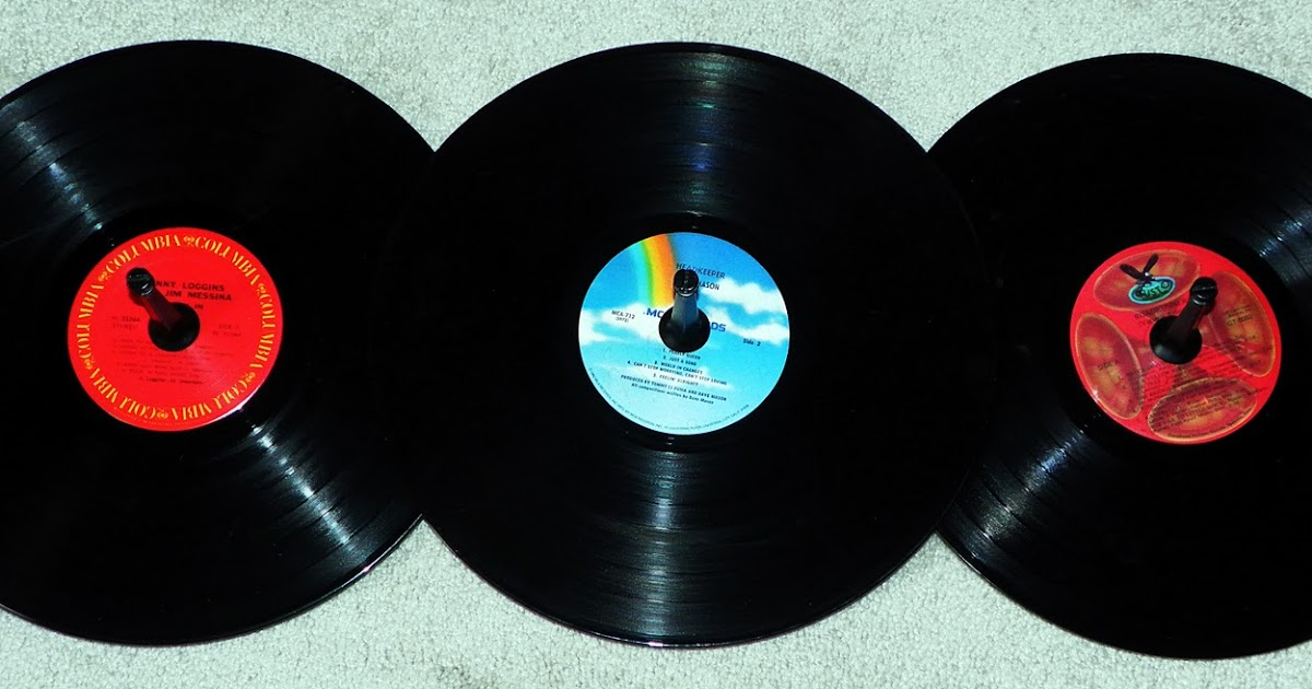 Diy Vinyl Record Wall Art : Fabulously creative diy vinyl record wall art coat rack
