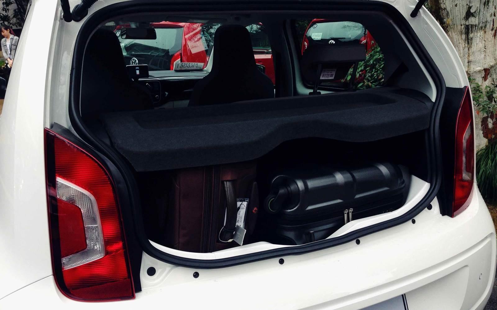 Volkswagen up! - China - interior