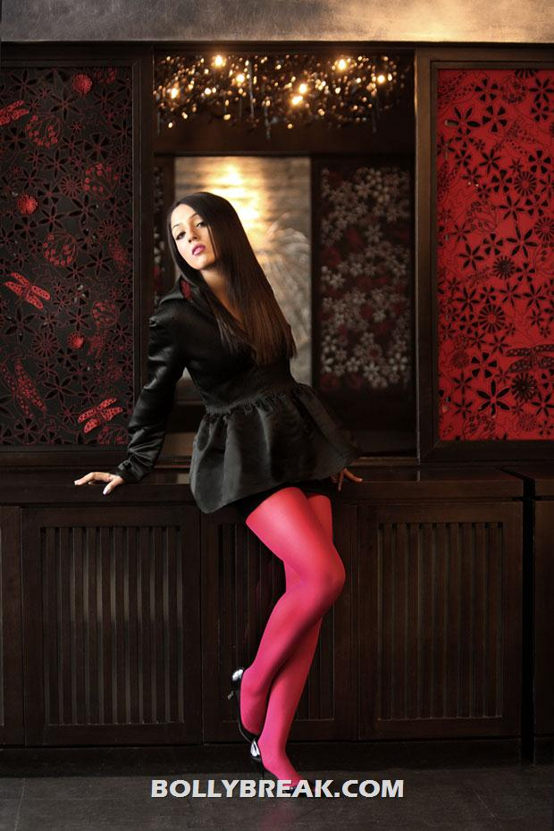 lekha washington red tights - (4) -  Lekha washington photos-2