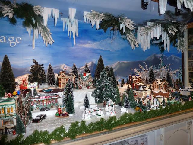 http://blog.christmasplace.com/wordpress/category/department-56-store-store-inn/