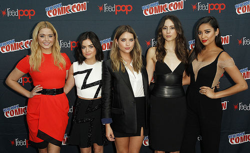 PLL Cast Lucy Hale, Ashley Benson, Troian Bellisario, Shay Mitchell and Sasha Pieterse attend New York Comic Con