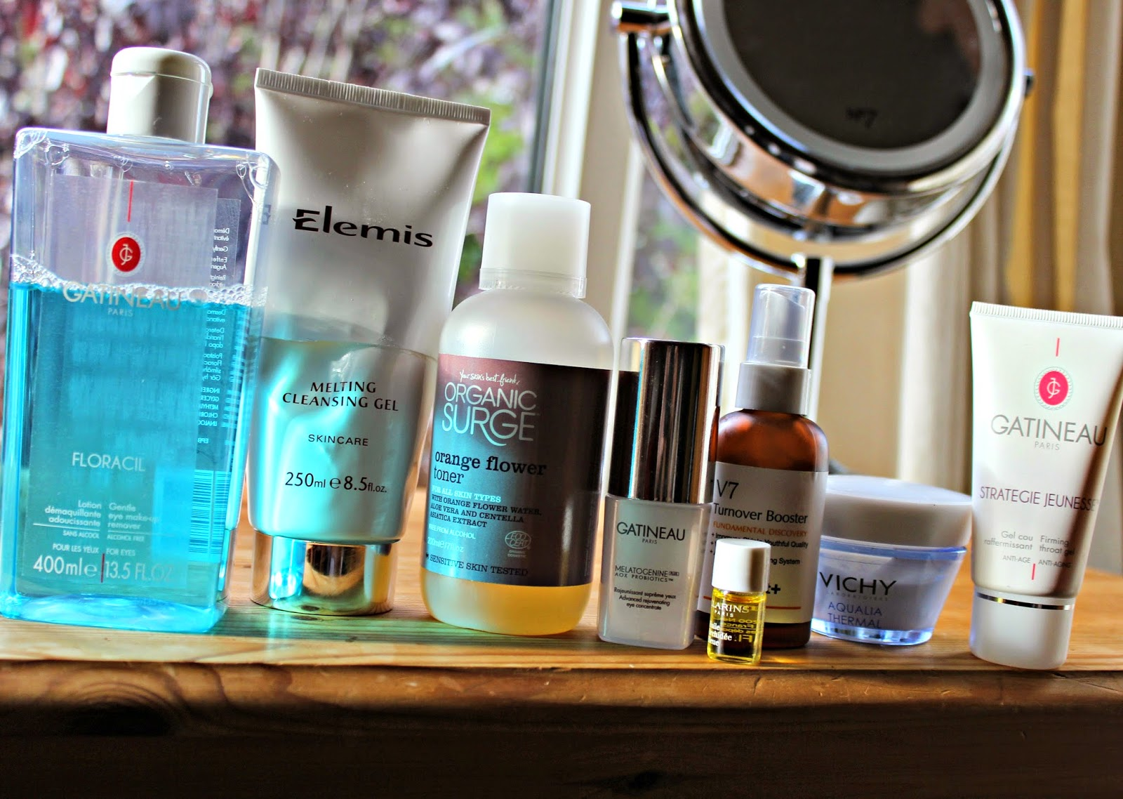 A picture of Evening skincare products