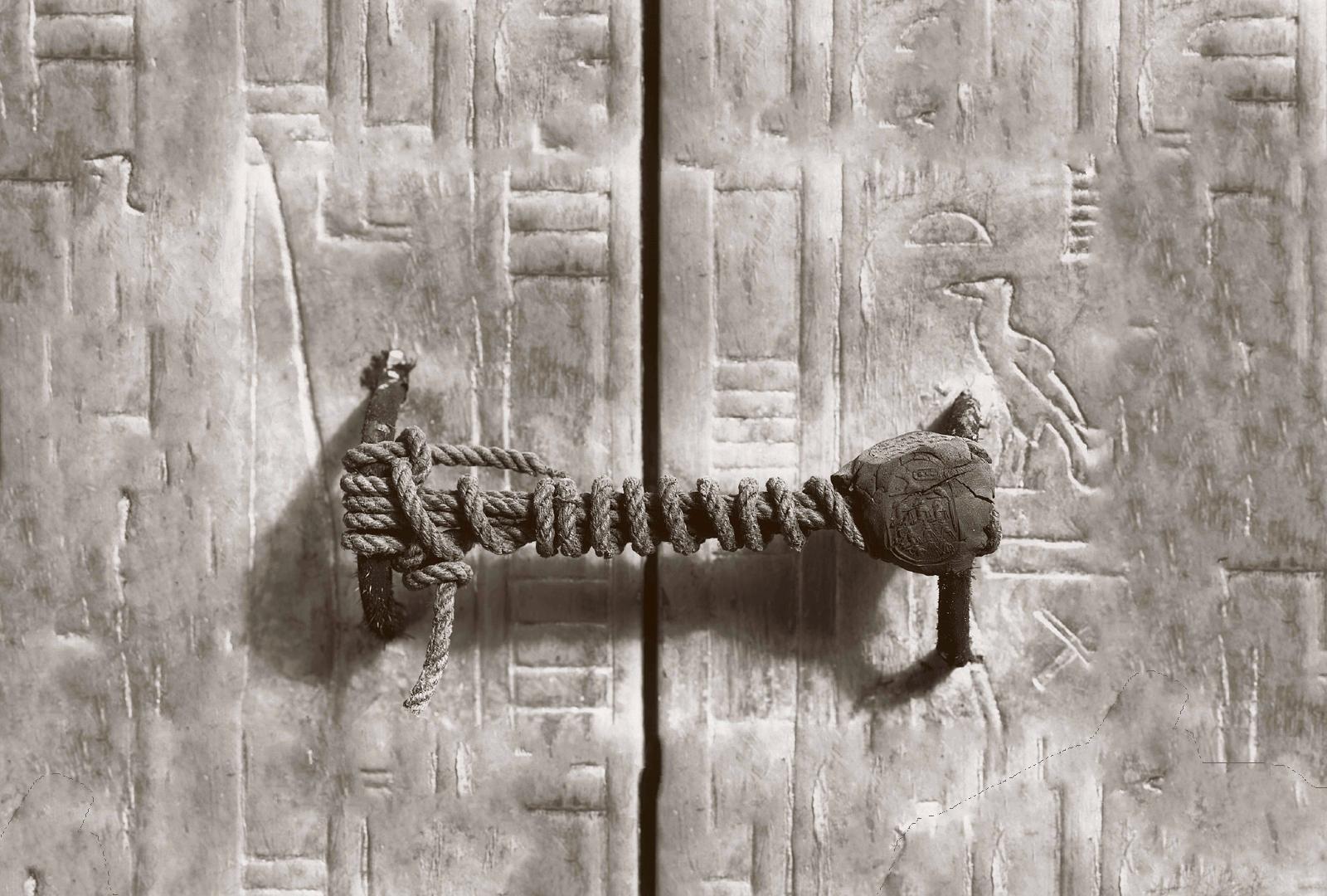 Breaking the seal on Tutankhamunu0027s tomb. & Breaking the seal on Tutankhamunu0027s tomb. - Museum of Artifacts