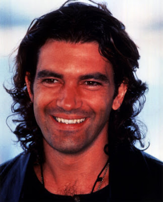 Antonio Banderas new haircut hair styles for 2011