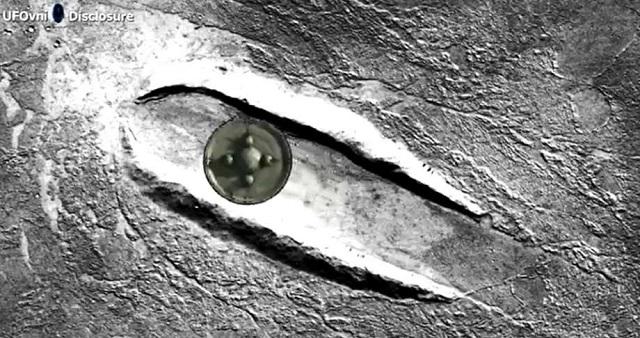 Πτώση UFO στον Άρη δείχνουν οι χάρτες της Google Earth