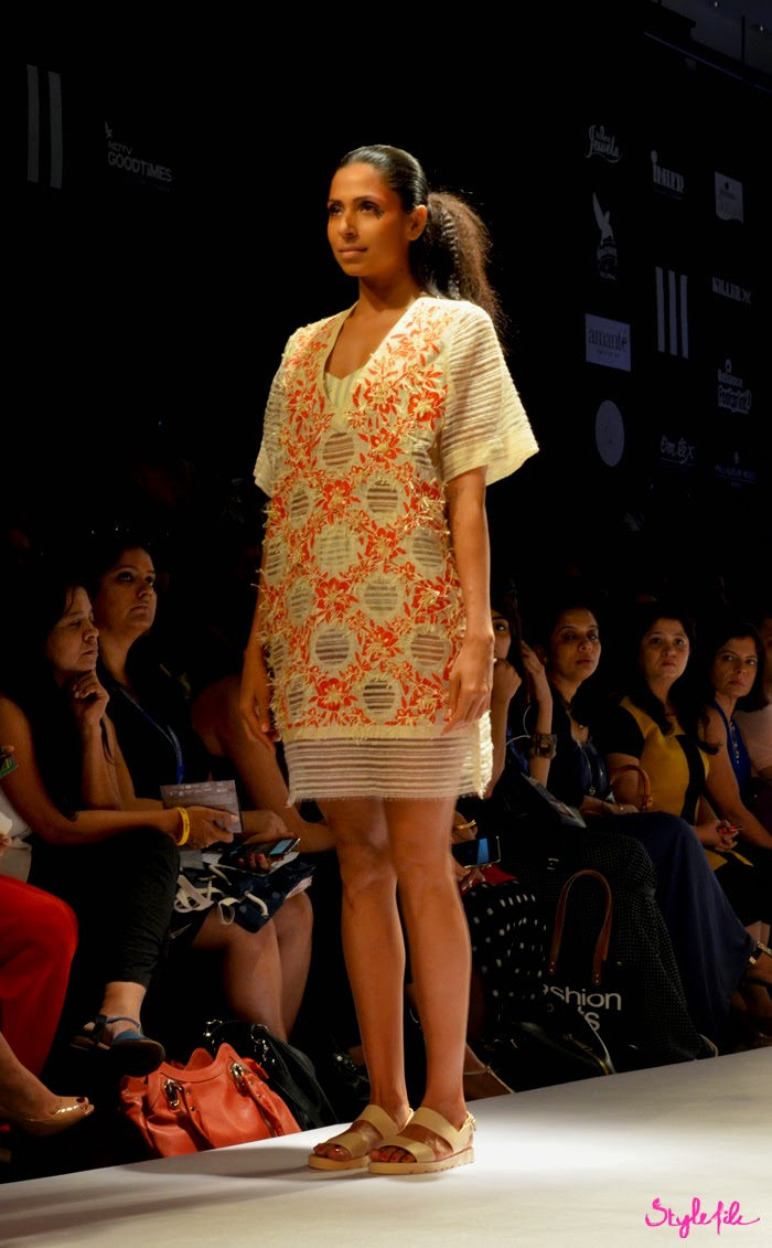 Candice Pinto wears oriental inspired elements with print mixing garments for Ikai by Ragini Ahuja on runway at Lakme Fashion Week Summer Resort 2015