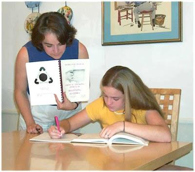 3.bp.blogspot.com/-pt-k81OdfUU/Txv08VHyeAI/AAAAAAAAAnQ/lzi738gHndE/s400/homeschooling.jpg