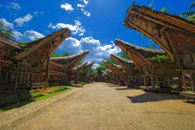 Download this Peradaban Dari Setiap Detail Rumah Tongkonan Yang Dibangun Masyarakat picture