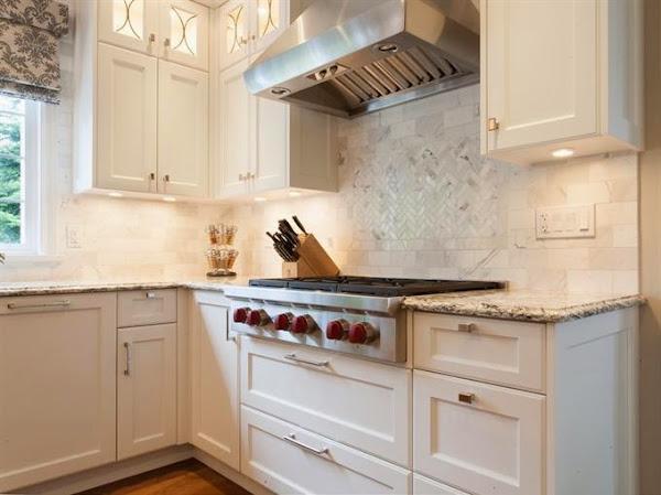 Chill decoraci n un aire moderno en la cocina cl sica - Cocinas clasicas blancas ...