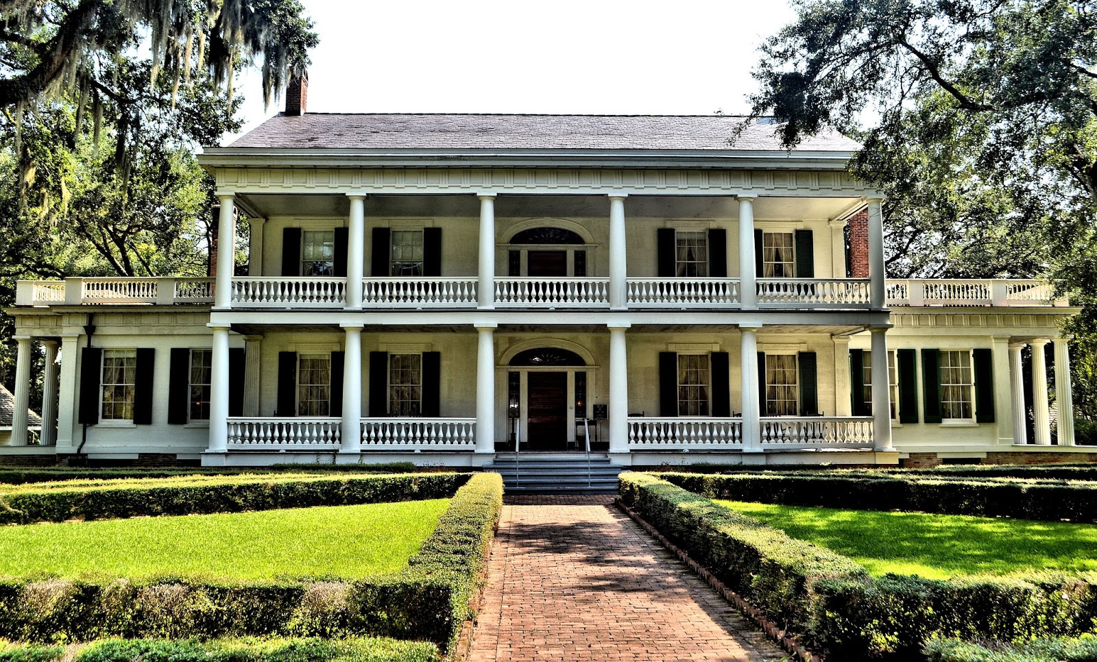 217734 besides Magnolia Plantation Floor Plans additionally Paint Colors For 2013 as well Interior Design Screening further New Year Interior Design. on newest trend house design
