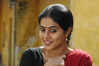 poorna  stills in karuvachi movie stills (18)