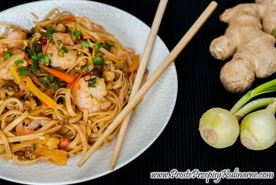 Makaron stir-fry z krewetkami