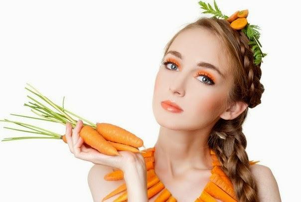 Đắp mặt nạ collagen từ cà rốt và bơ