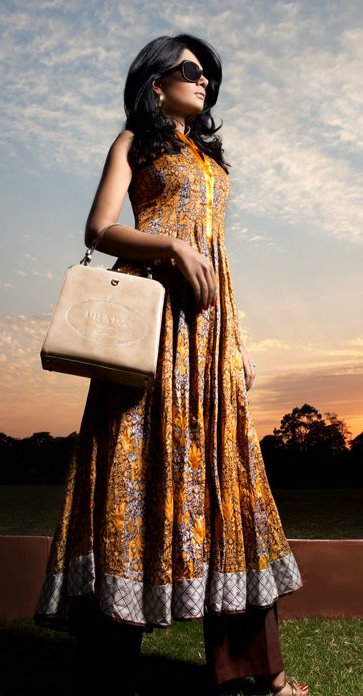 vaneeza v lawn collection 2011 actress pics