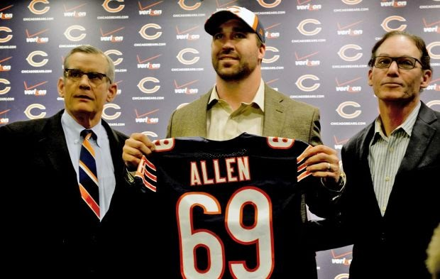 Chicago Bears defensive tackle Jared Allen