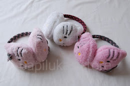 Penutup Kuping Hello Kitty