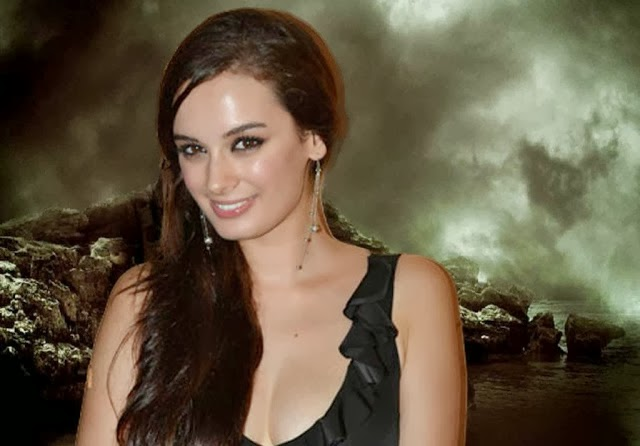 Evelyn+Sharma+Hd+Wallpapers+Free+Download011