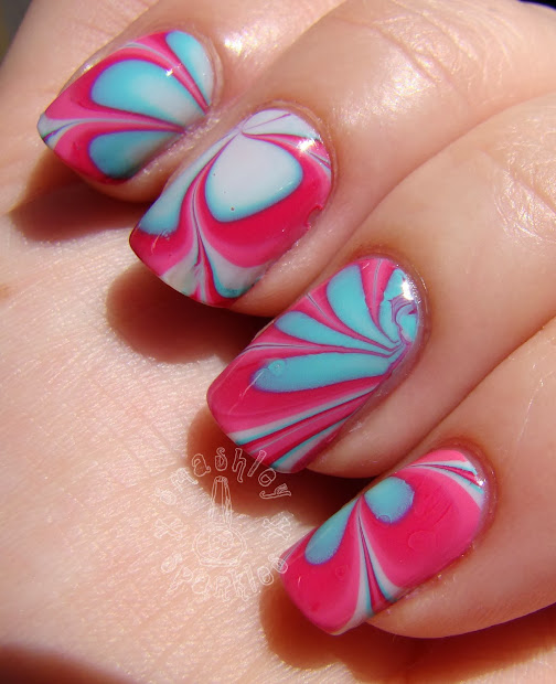 nails with miki water marble