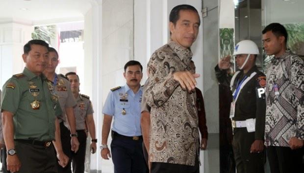Jokowi Menolak Disalahkan Soal Anjloknya Rupiah