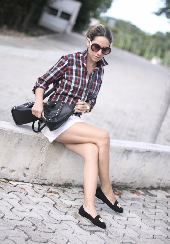 Preppy plaid outfit by fashion blogger