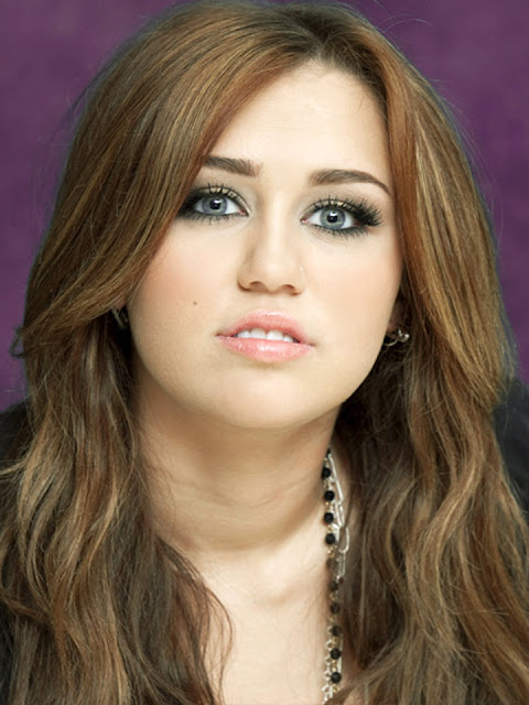 Miley Cyrus Cute Long Wavy Superb Hair Styles
