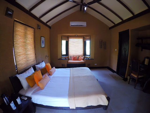 room King's Lodge Bandhavgarh tiger reserve pugdandee safari review