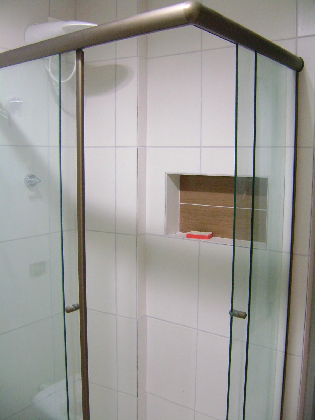 transparente um nicho pra lá de fofo e um chuveiro master massa #5D4D39 1200x1600 Antes E Depois De Um Banheiro