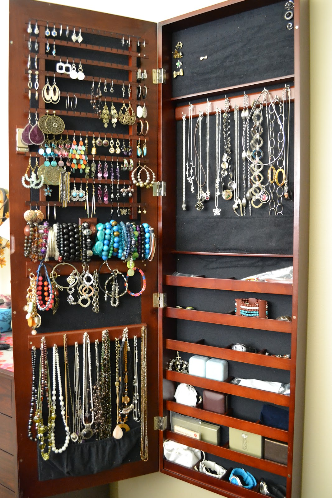 Jewelry storage organization this girl 39 s life blog - Ideas for storing jewellery ...