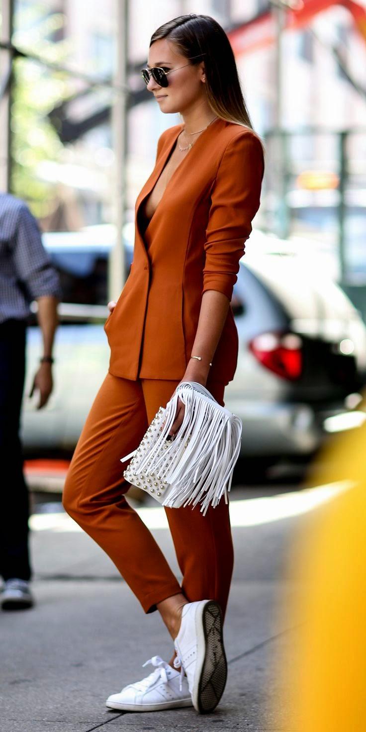 Tendência  moda ténis em look casual