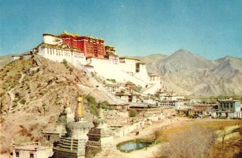 LHASA le POTALA palais d'hiver de tous les DALAI LAMAS circa 1950