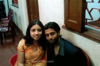 Dhaka girl with her boyfriend enjoying life With Kissing1