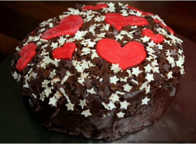 Valentine S Day Chocolate Cake Images : chocolate cake decoration on valentines day
