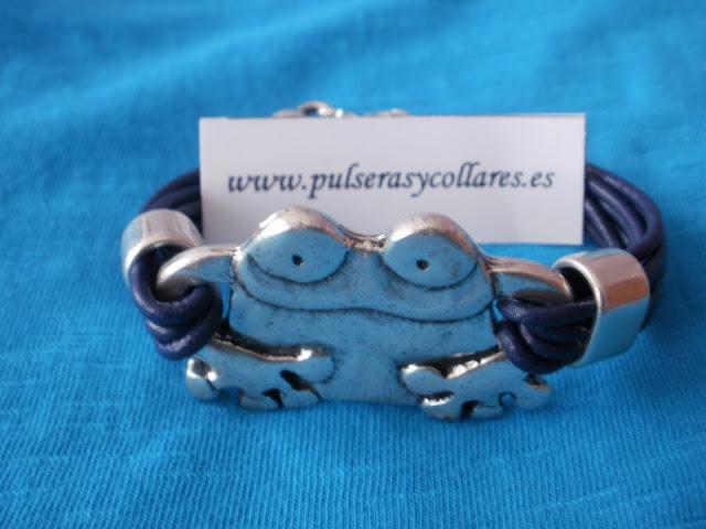 pulseras y collares artesania en cuero y zamak
