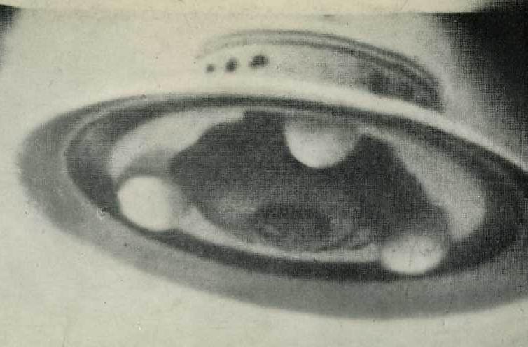 アダムスキー型UFO