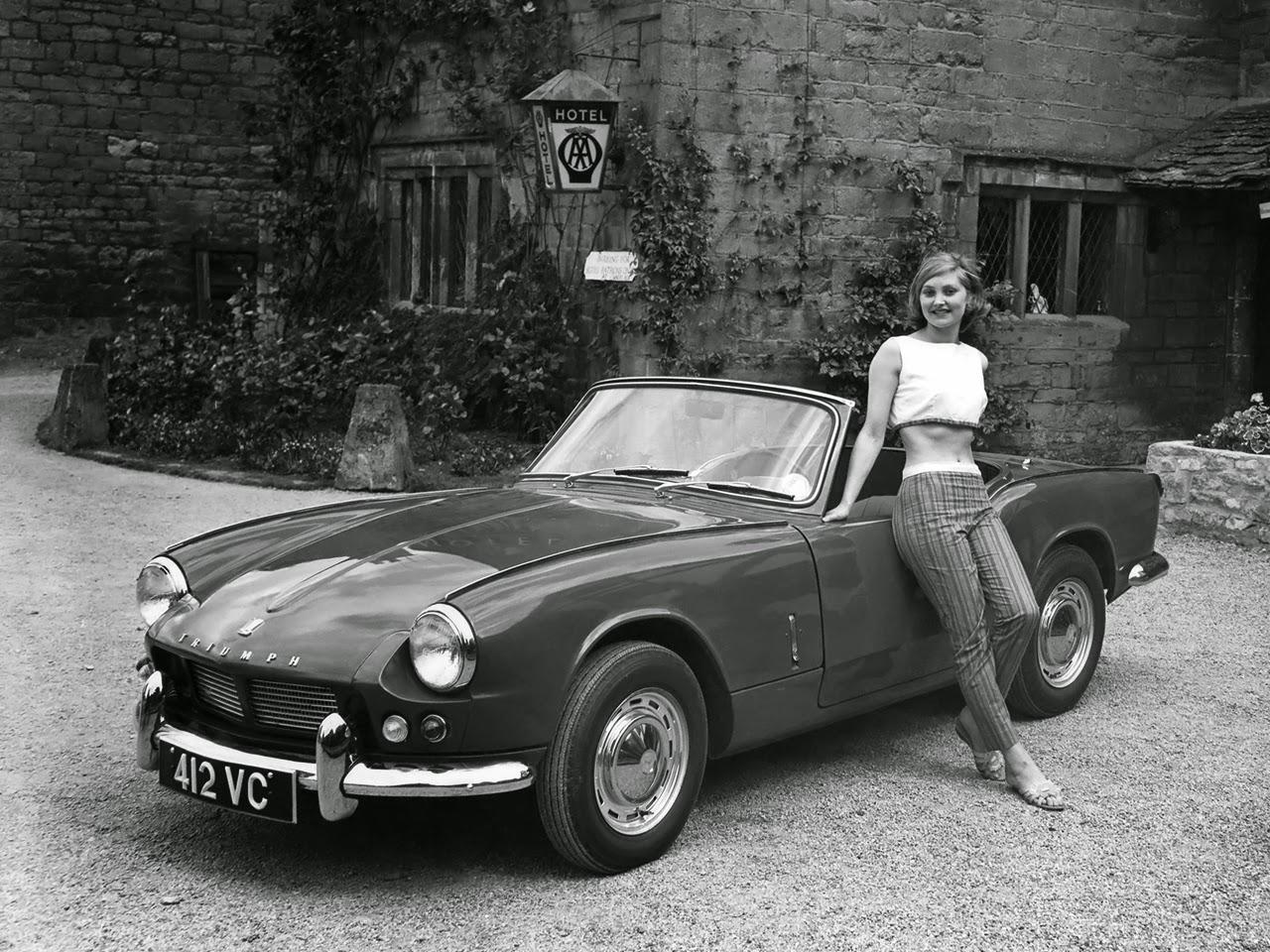 Car Style Critic Triumphs Stylish Spitfire - Sports cars 50s