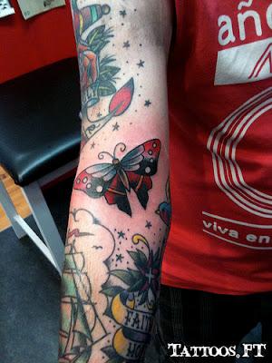 Borboleta vermelha e preta Tatuagens