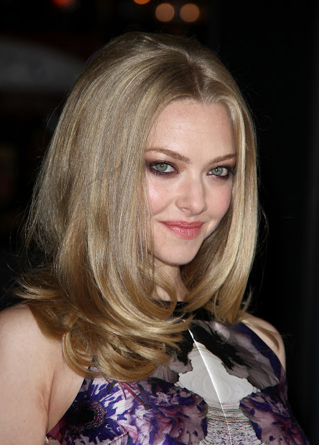 Hollywood Actress,Amanda Seyfried Sexy Photo,Amanda Seyfried Photos,Amanda Seyfried Hot Photos,Amanda Seyfried Beach,Amanda Seyfried Topless