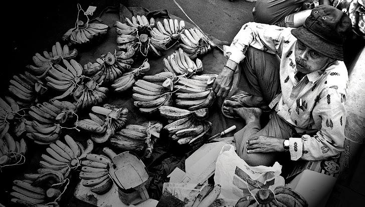 Penjual Pisang. 2011