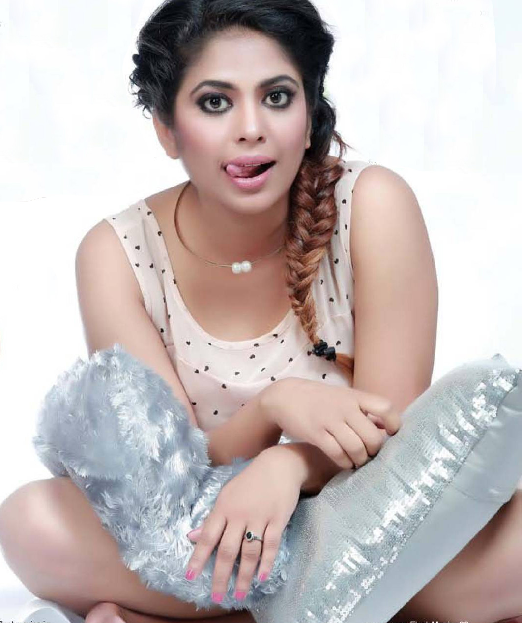 Hot Mallu Srinda Ashab Sexy in Sleeveless HD Wallpapers