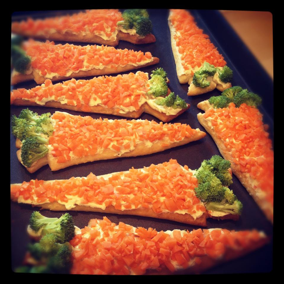 kraftykym ::: Veggie Pizza : carrot shaped