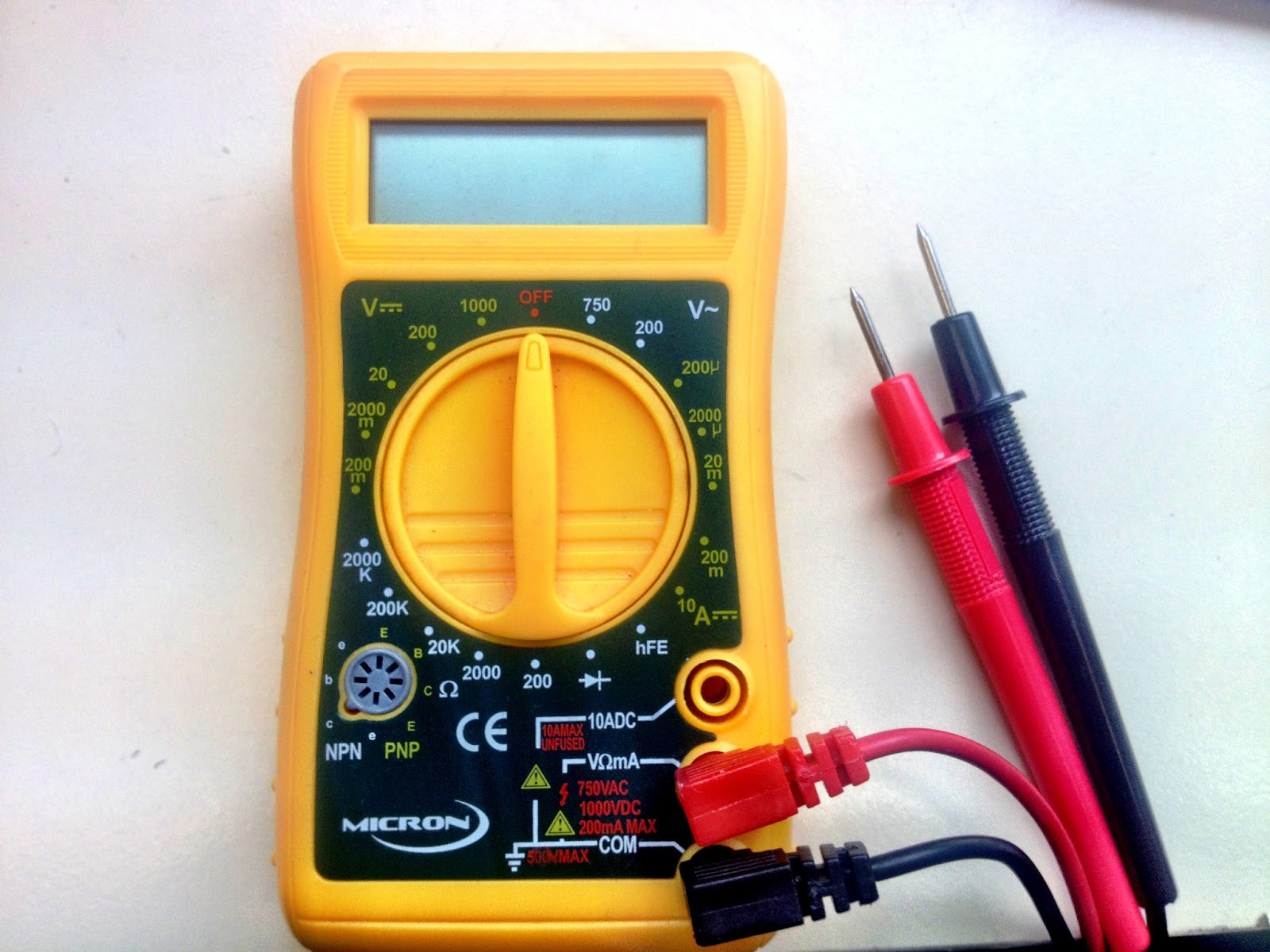 Different Types Of Multimeters : Little scale multimeter basics measuring resistance and