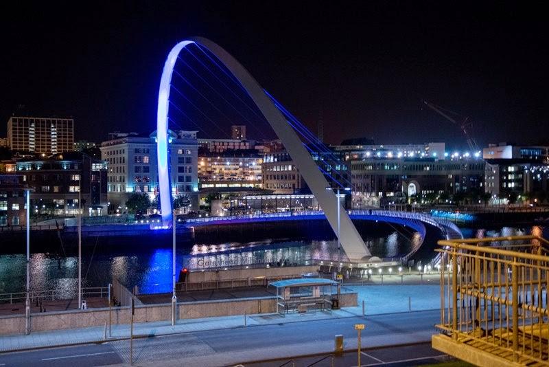 The Gateshead Millennium Bridge | A Pedestrian and Cyclist Tilt Bridge