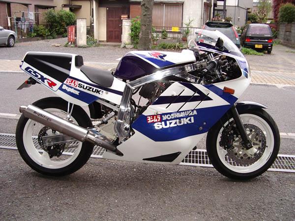 ou trouver une enveloppe Yosh neuve ? GSX-R+1100+1986+JAPAN+BRIGHTLOGIC+RACE+(1)