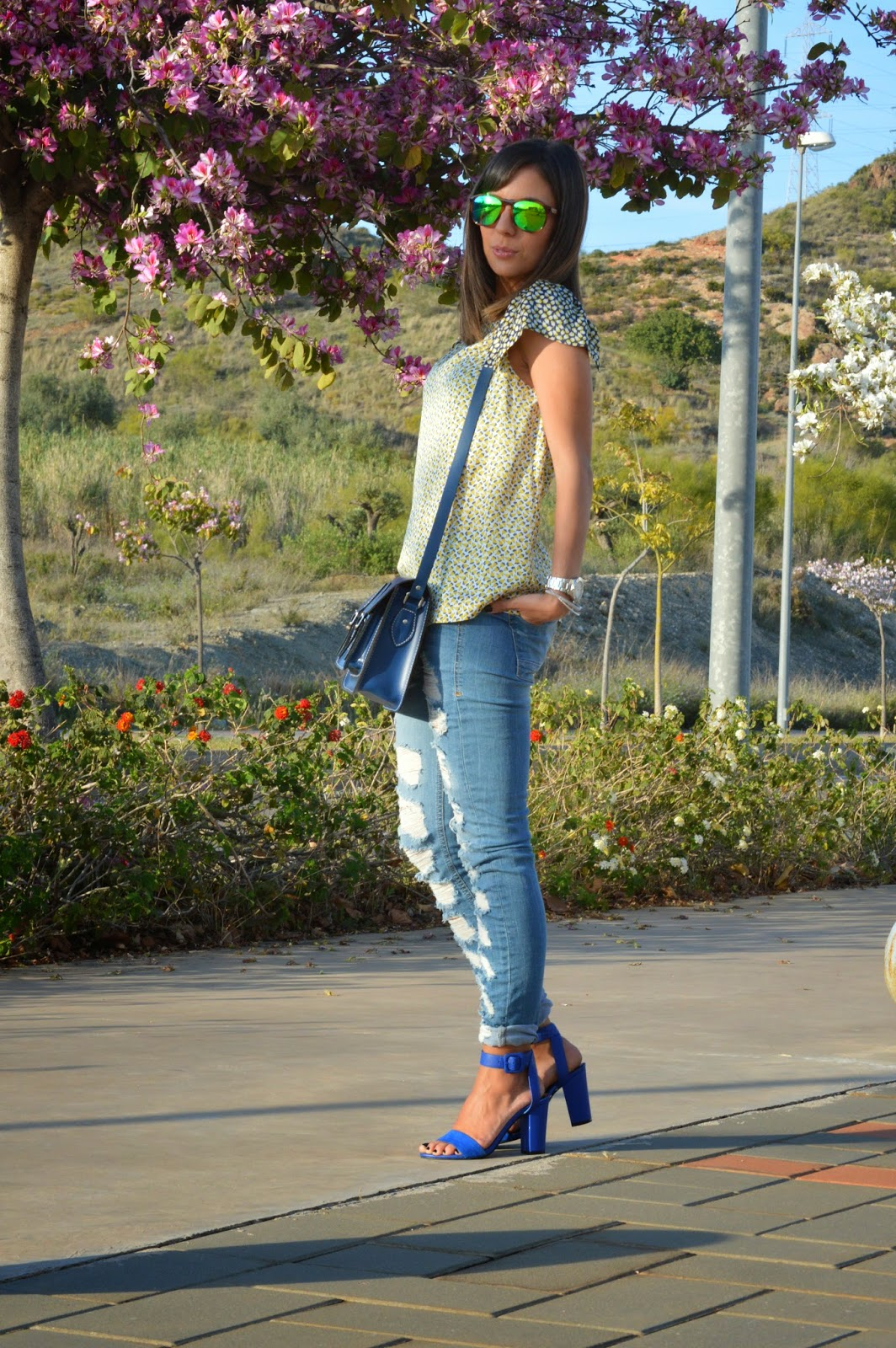 street style style fashion ootd fashion blogger malagueña blogger malagueña  outfit look me girl purse designer swag outfi look chic casual love lovely gorgeous moda mood trend inspiration cristina style ripped jeans zara suiteblanco
