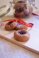 http://petitesfichescuisine.blogspot.fr/2013/12/boules-de-linz.html